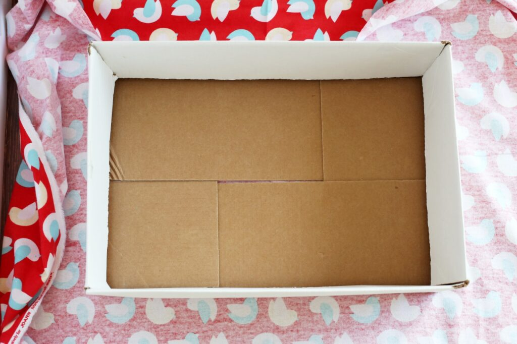 How to make a DIY cardboard box cat bed