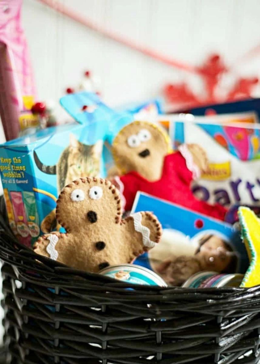 Gingerbread Man DIY Felt Catnip Toy